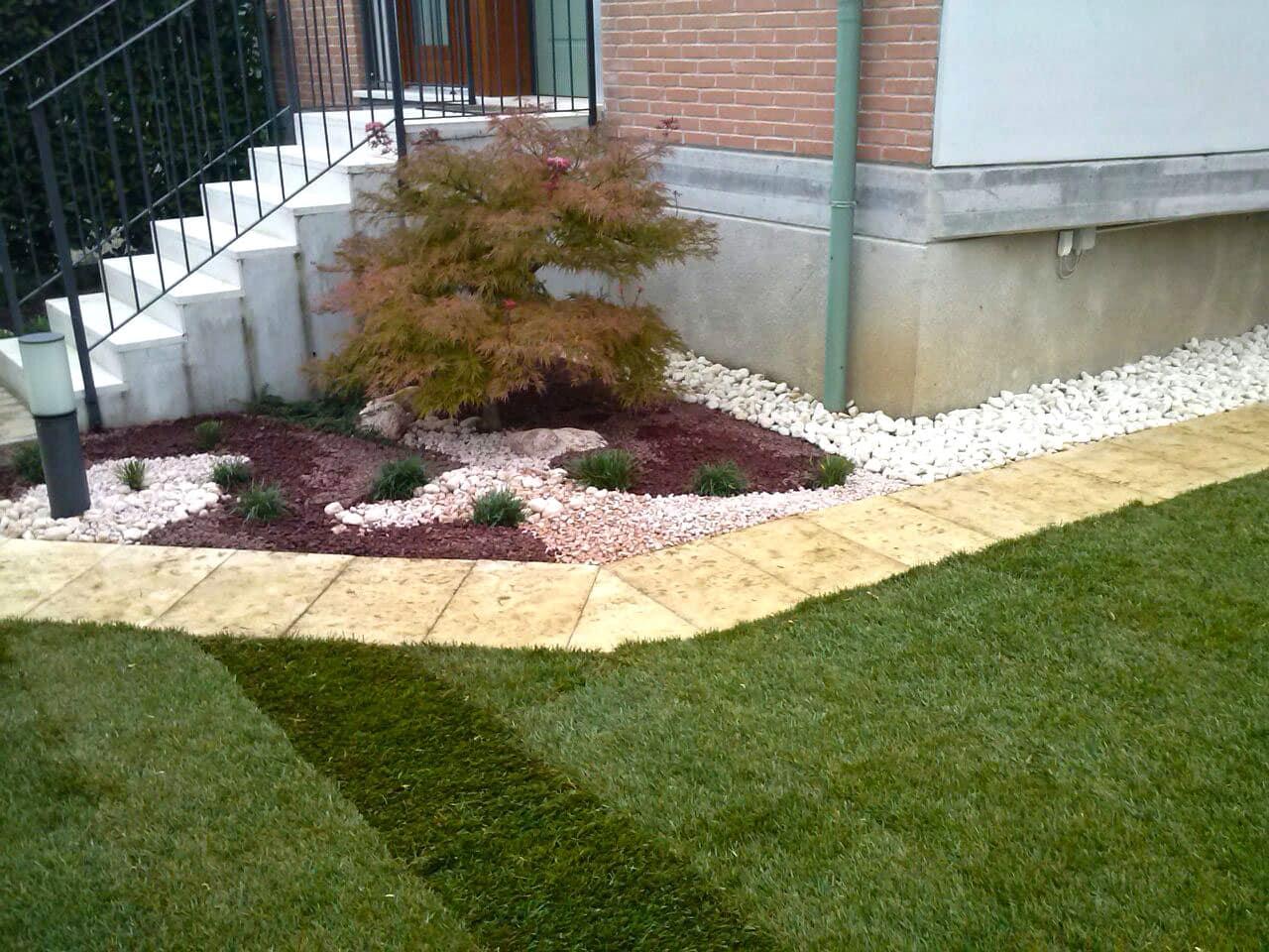 Muretti camminamenti giardino 4 giardinieri a vicenza e - Piante per aiuole da giardino ...
